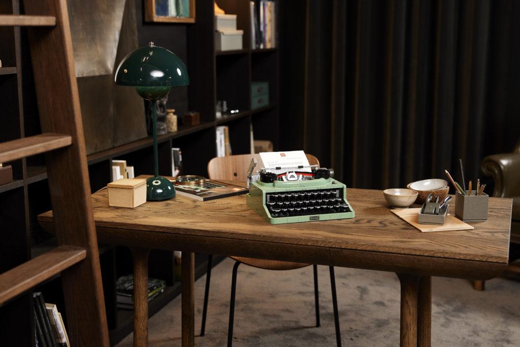 LEGO Ideas 21327 Typewriter lifestyle 2