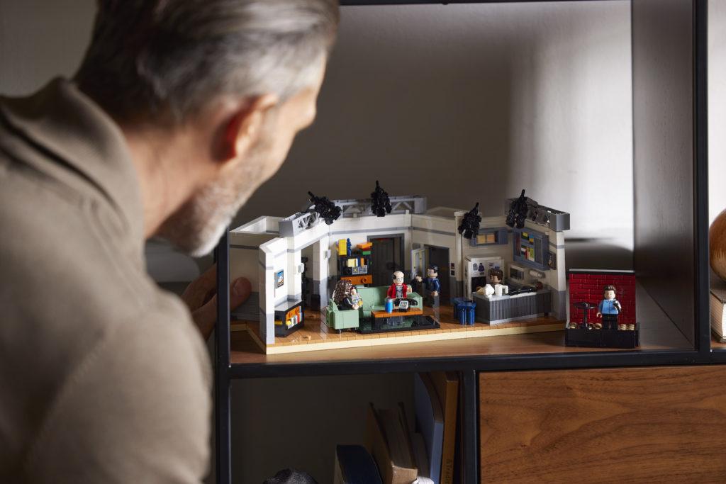 LEGO Ideas 21328 Seinfeld 31