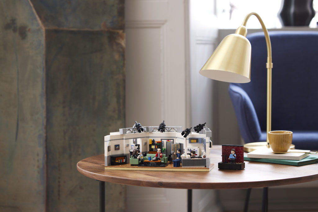 LEGO Ideas 21328 Seinfeld 33