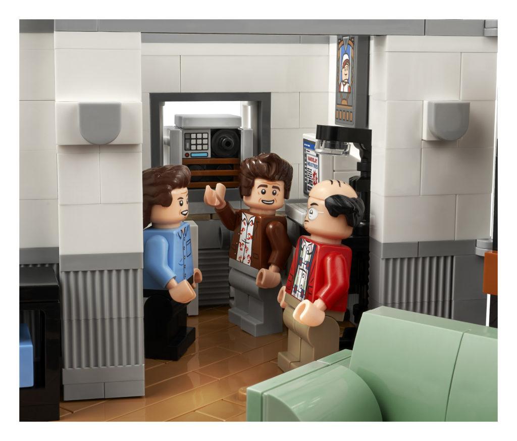 LEGO Ideas 21328 Seinfeld 7