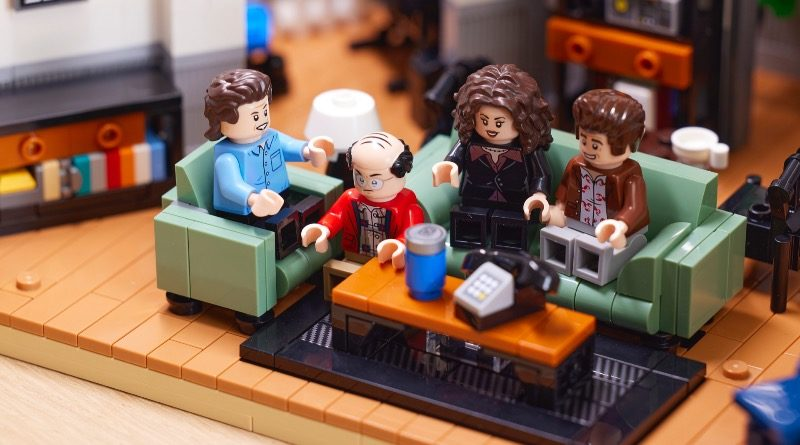 LEGO Ideas 21328 Seinfeld featured 1