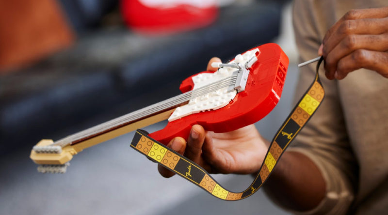 LEGO Ideas 21329 Fender Stratocaster lifestyle strap featured