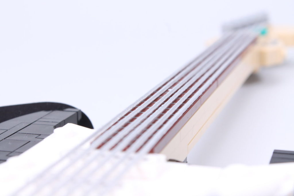 LEGO Ideas 21329 Fender Stratocaster review 10