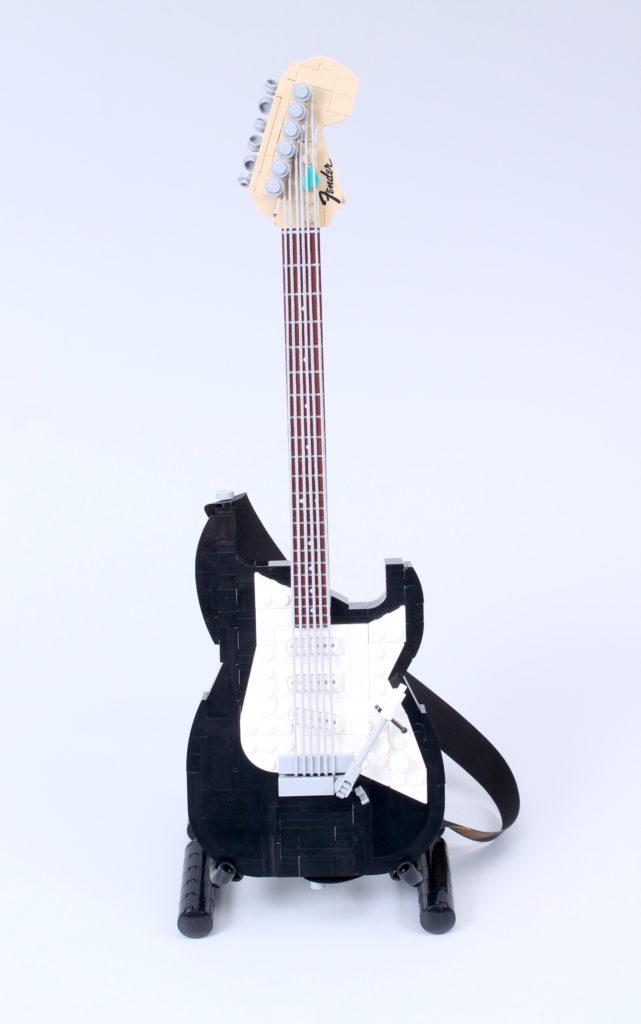 LEGO Ideas 21329 Fender Stratocaster review 18