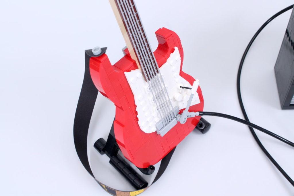 LEGO Ideas 21329 Fender Stratocaster review 31