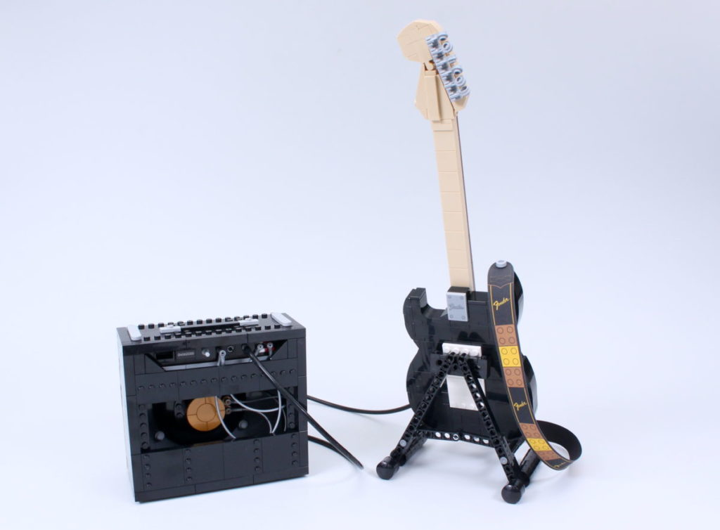 LEGO Ideas 21329 Fender Stratocaster review 4