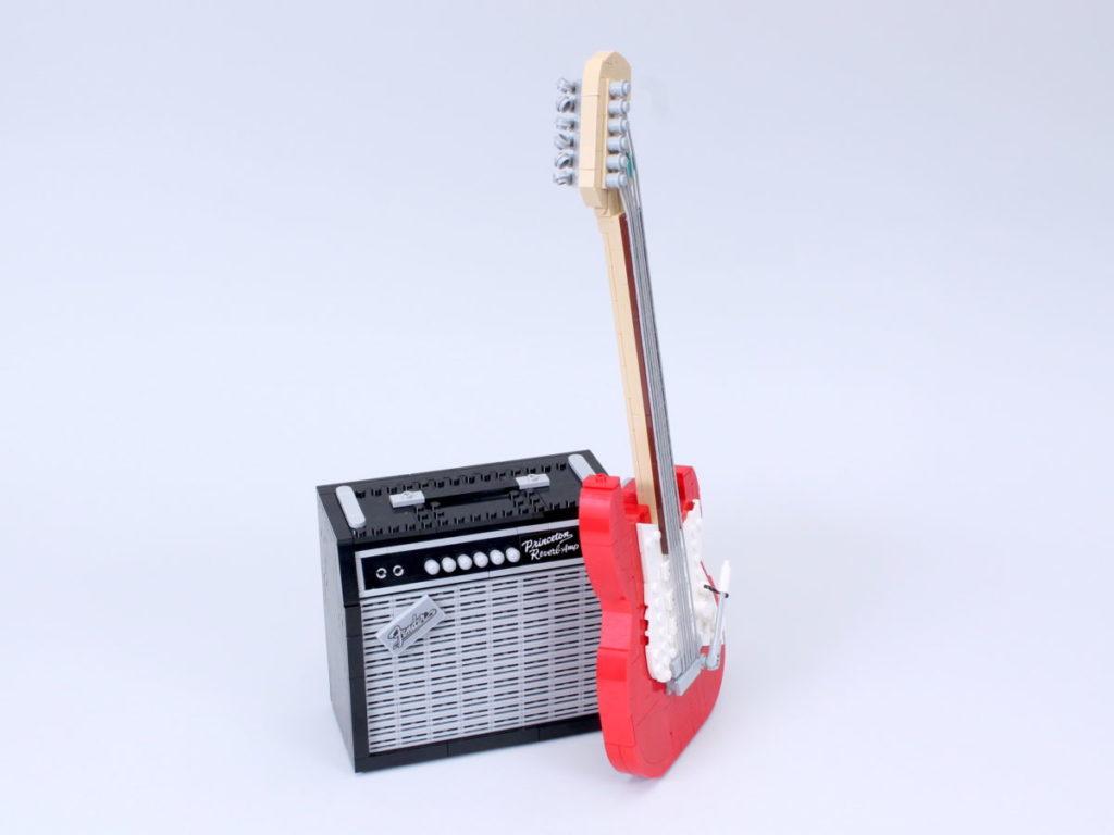 LEGO Ideas 21329 Fender Stratocaster review 48