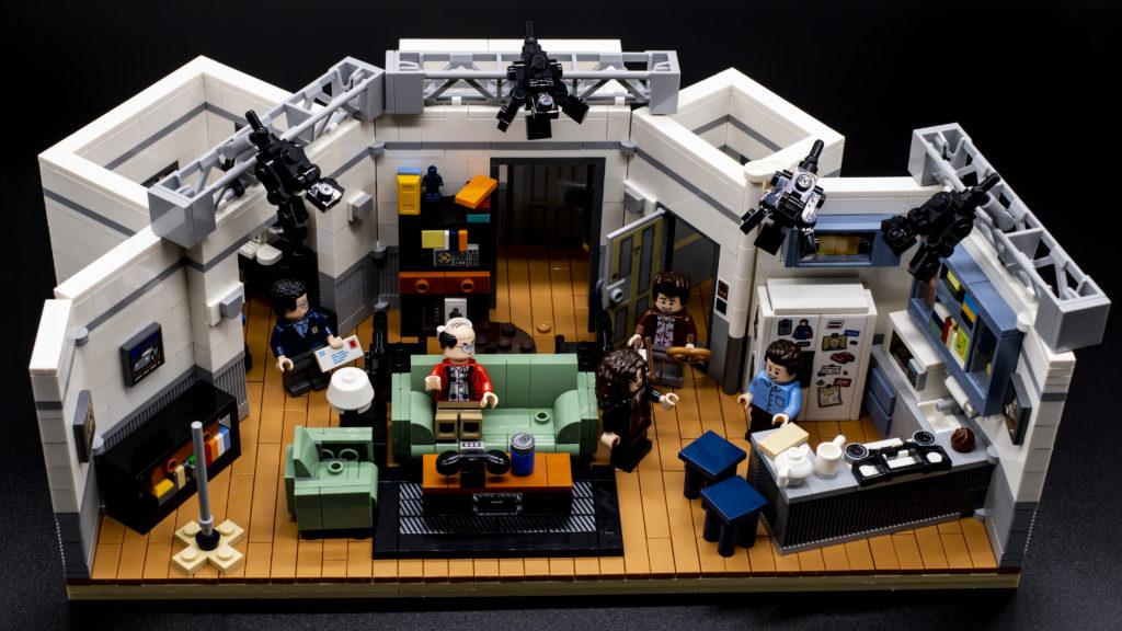 LEGO Ideas 21338 Seinfeld 11