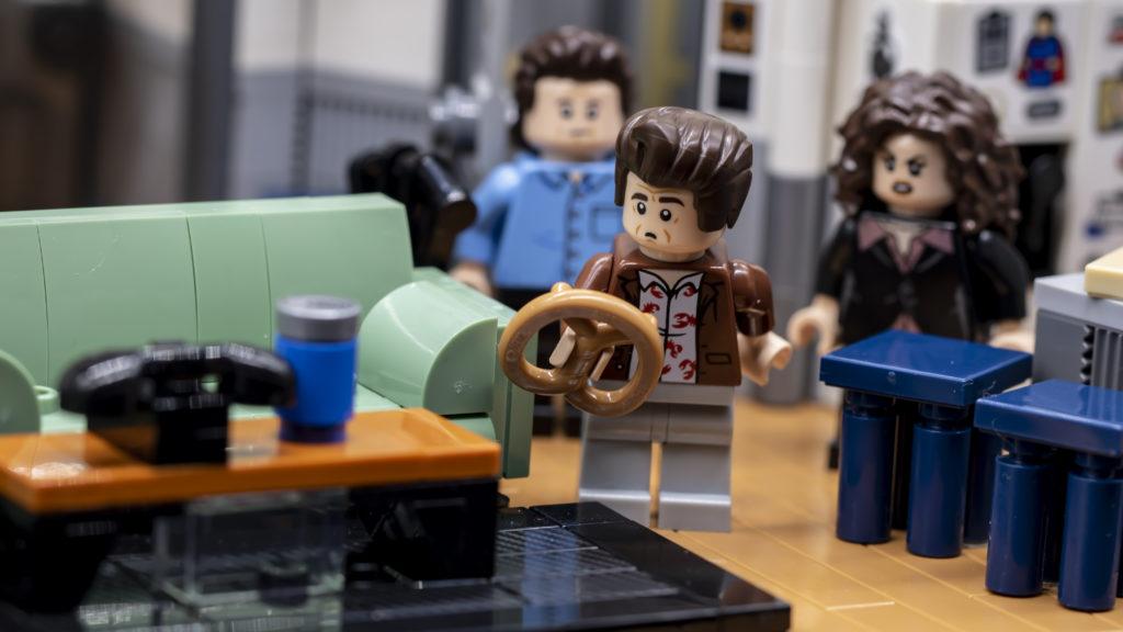 LEGO Ideas 21338 Seinfeld 14