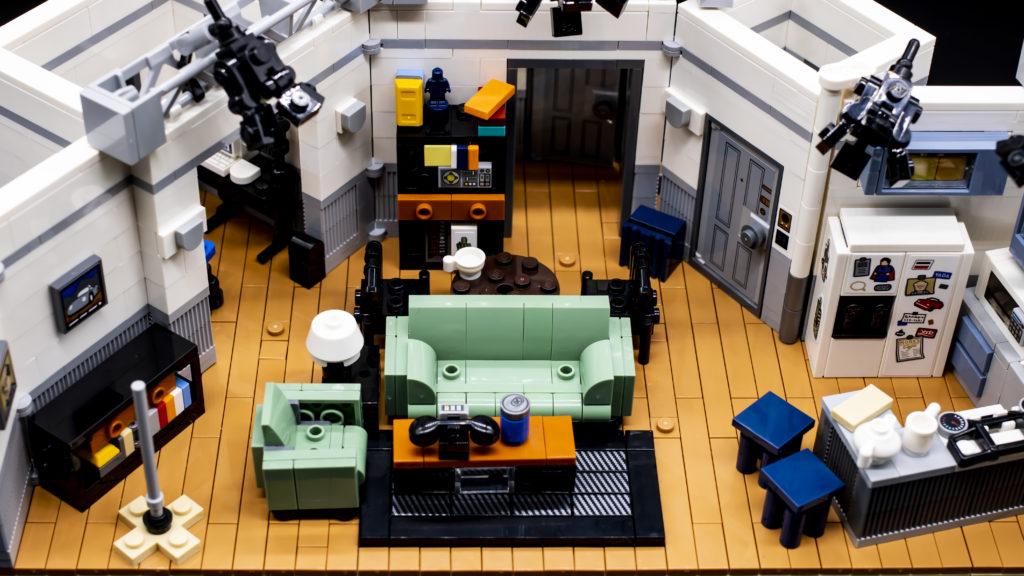 LEGO Ideas 21338 Seinfeld 2