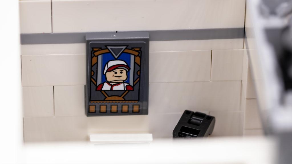 LEGO Ideas 21338 Seinfeld 23