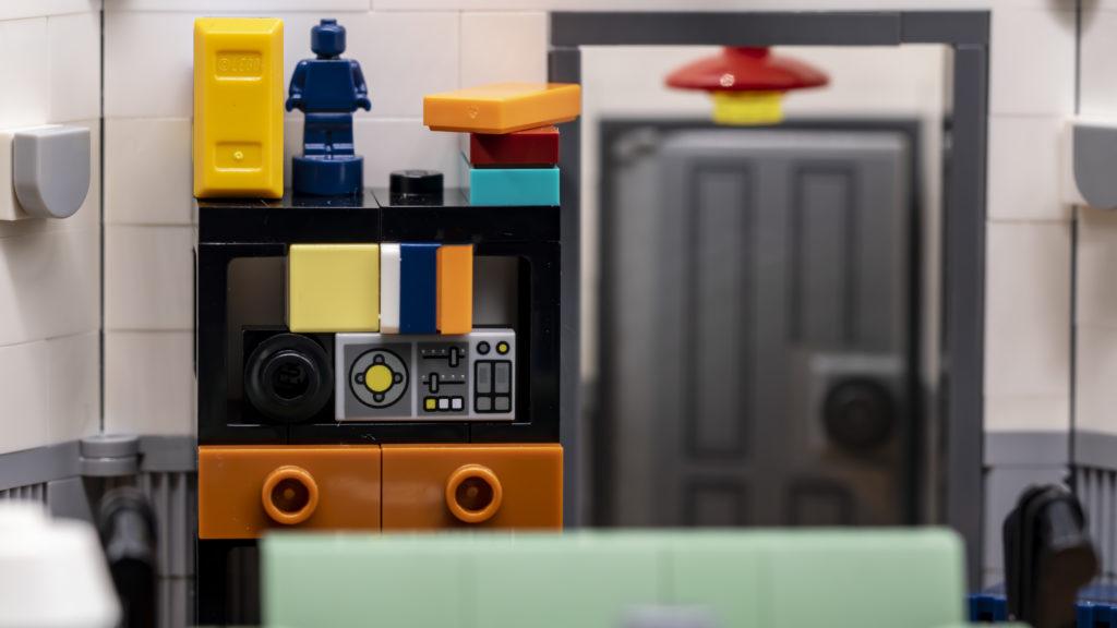 LEGO Ideas 21338 Seinfeld 26