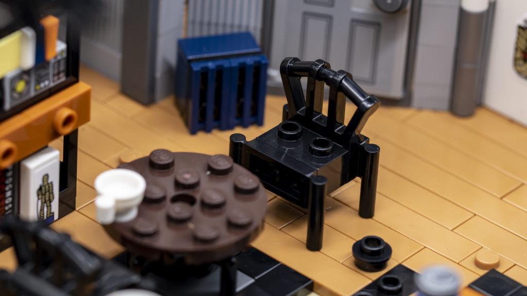 LEGO Ideas 21338 Seinfeld 28
