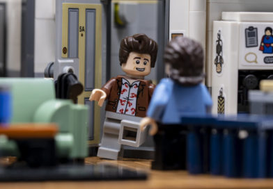10 of the best references in LEGO Ideas 21328 Seinfeld