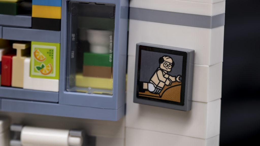 LEGO Ideas 21338 Seinfeld 32