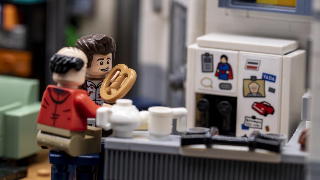 LEGO Ideas 21338 Seinfeld 39