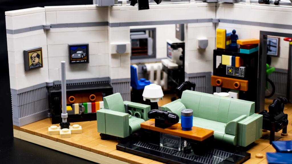 LEGO Ideas 21338 Seinfeld 4