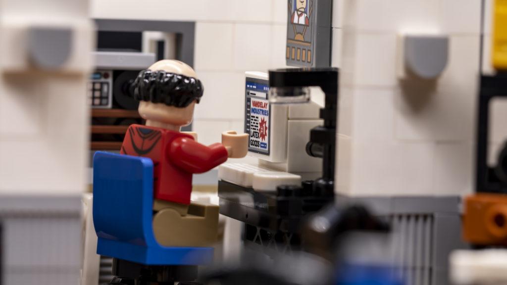 LEGO Ideas 21338 Seinfeld 43