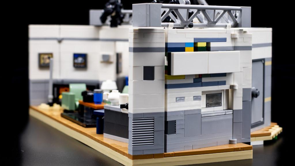 LEGO Ideas 21338 Seinfeld 5