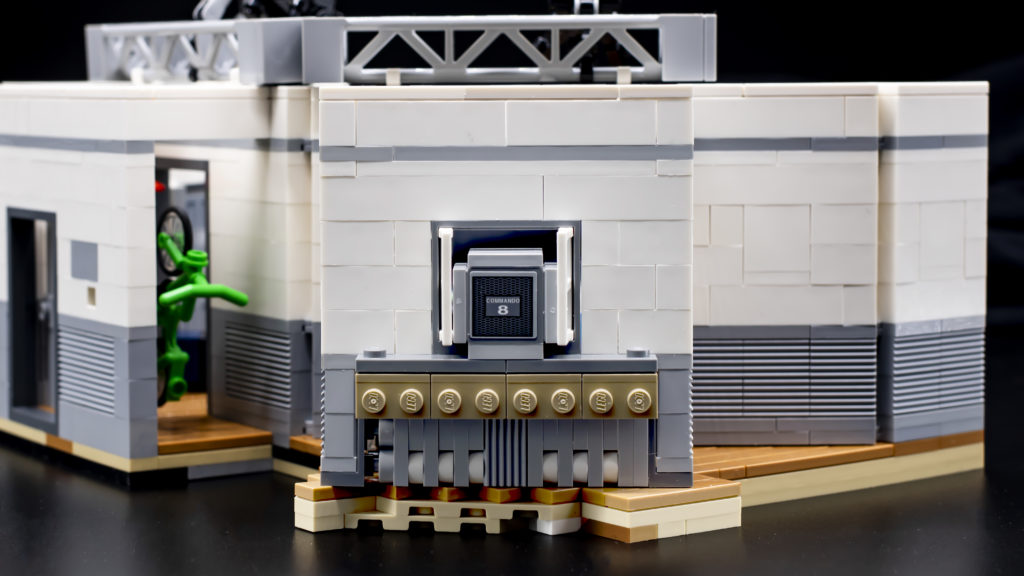 LEGO Ideas 21338 Seinfeld 6