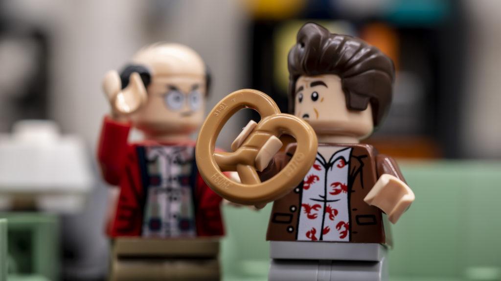 LEGO Ideas 21338 Seinfeld ათეულში 9