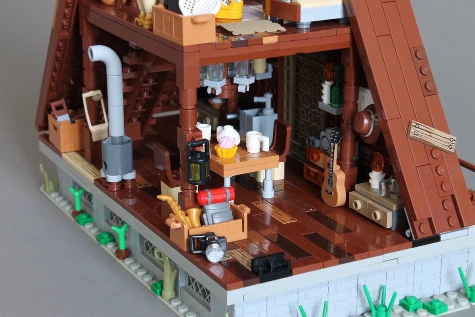 LEGO Ideas A frame cabin interior 2