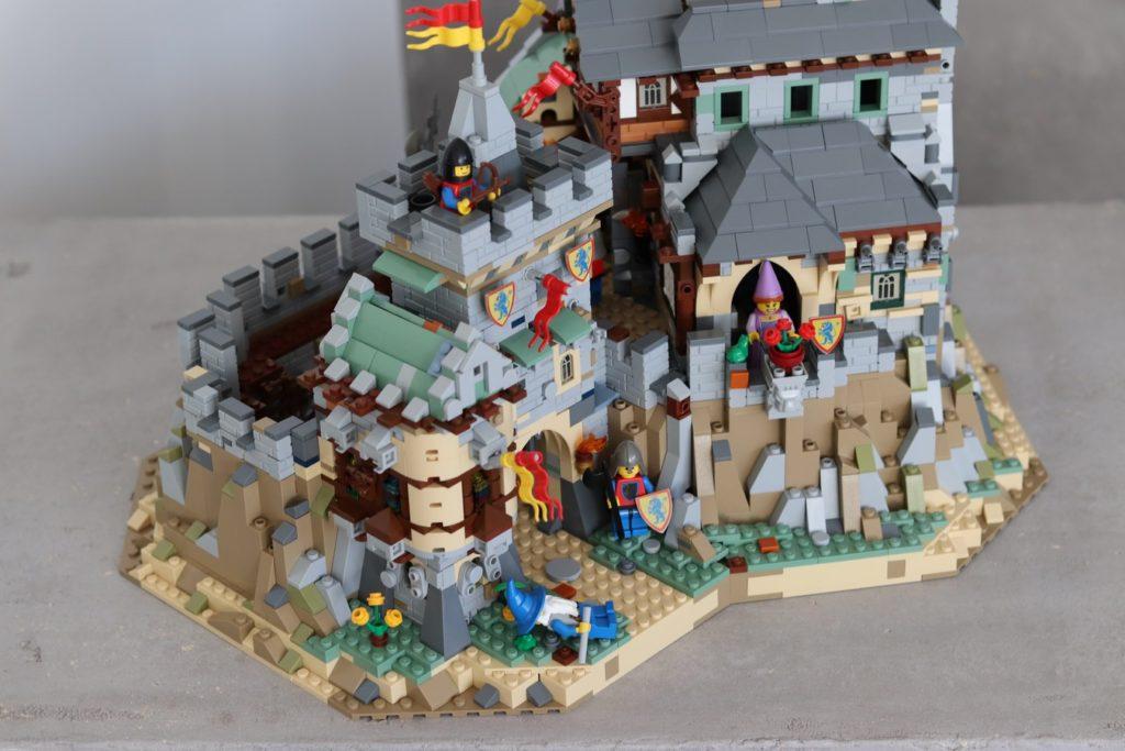 LEGO Ideas Classic Castle 1
