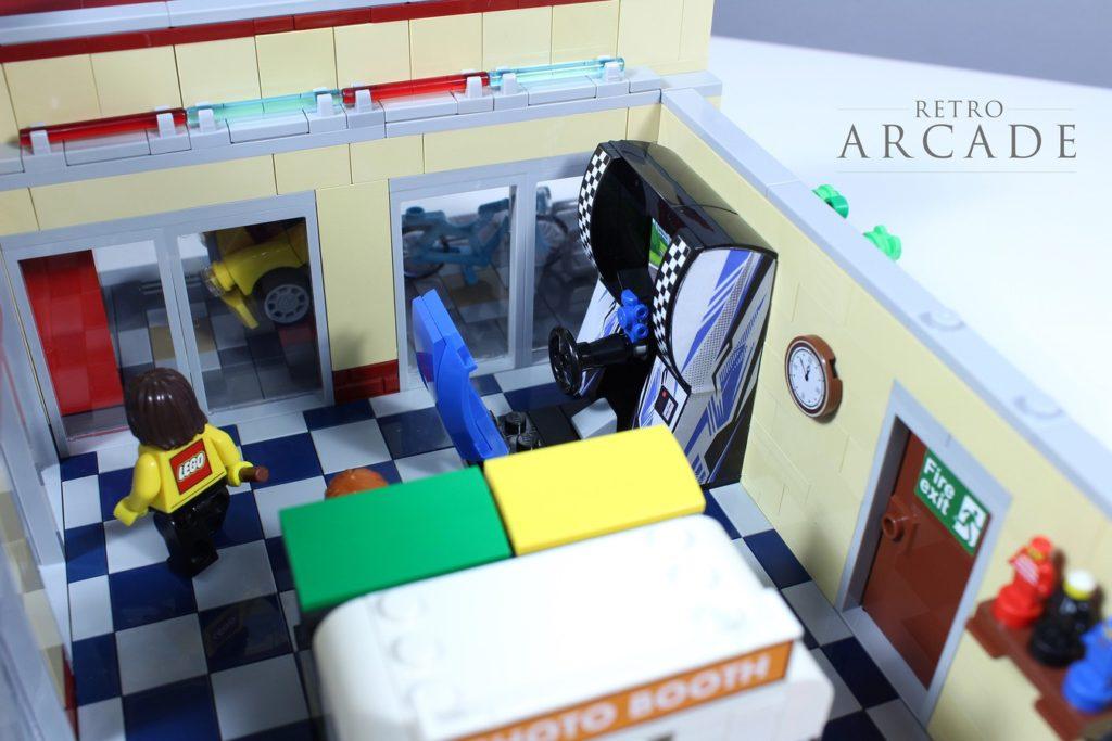 LEGO Ideas Retro Arcade 4