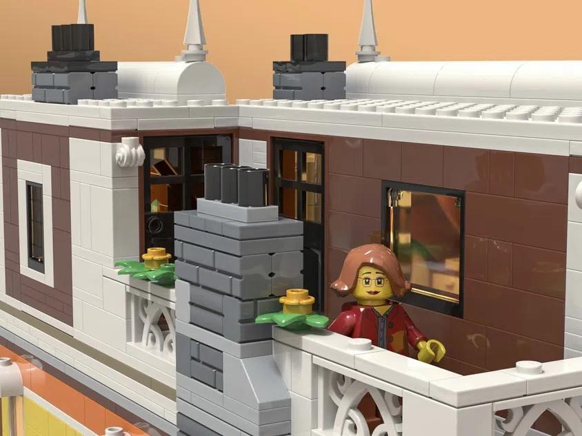 LEGO Ideas Costume Shop 4