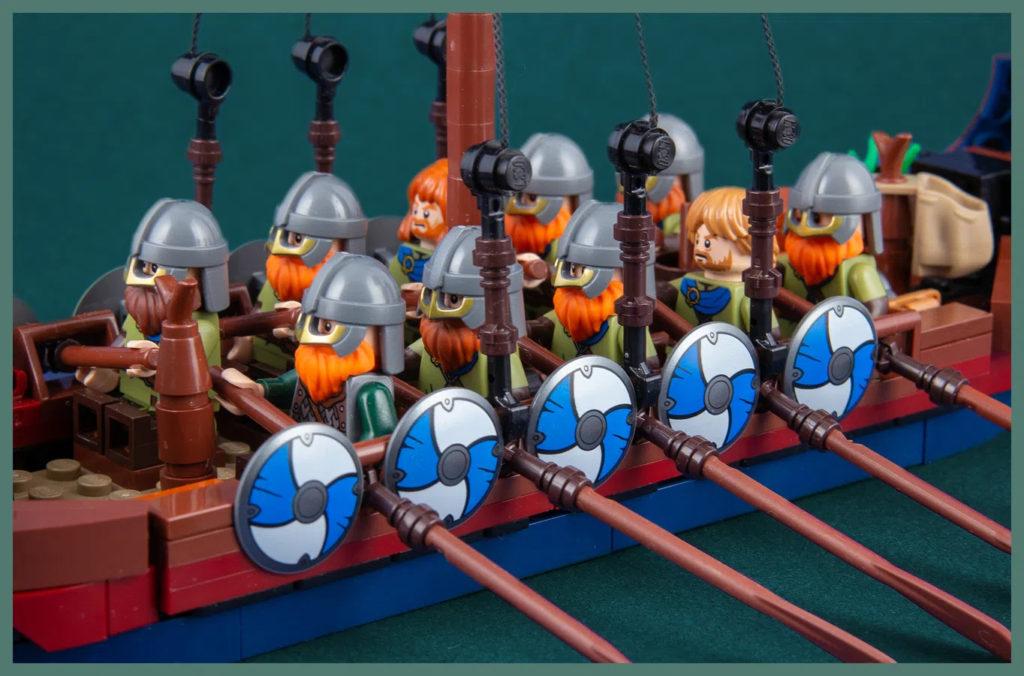 LEGO Ideas Viking Longship Minifigures