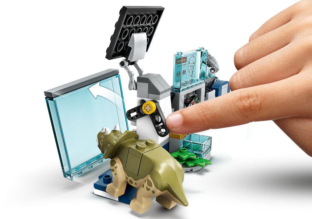 LEGO Jurassic World 75939 Dr Wus Lab Baby Dinosaur Breakout 7