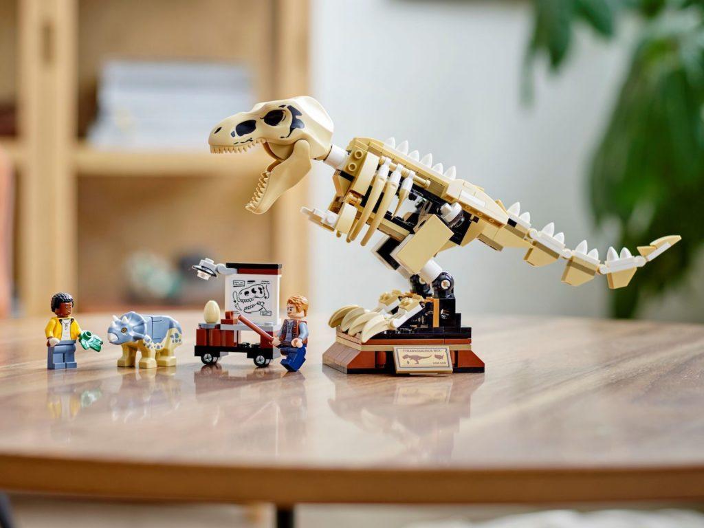 LEGO Jurassic World 76940 T. rex Dinosaur Fossil Exhibition 6