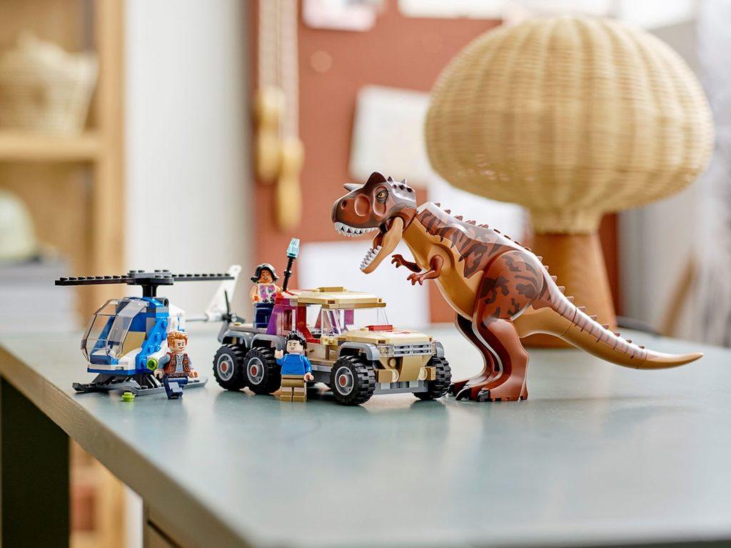 LEGO Jurassic World 76941 Carnotaurus Dinosaur Chase 6