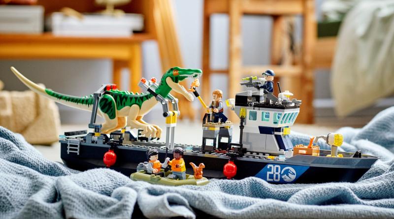 LEGO Jurassic World 76942 Baryonyx Boat Escape Lifestyle Featured