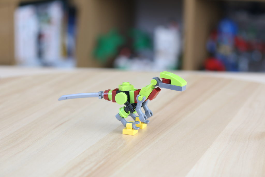 LEGO Jurassic World Robo Raptor Build 2
