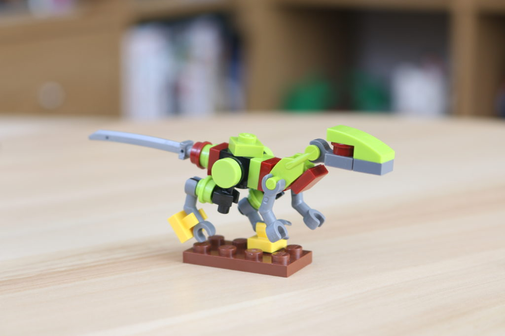 LEGO Jurassic World Robo Raptor Build 4