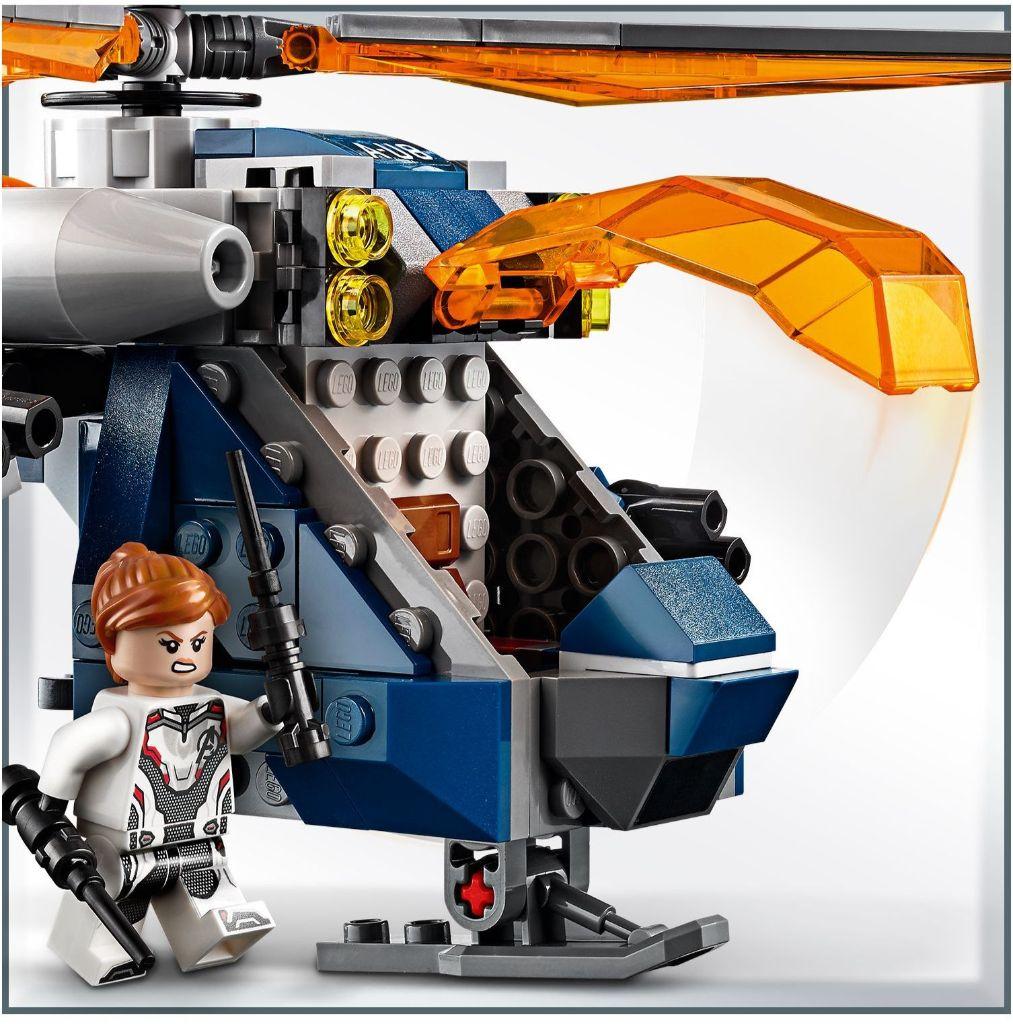 LEGO Marvel 76144 Avengers Hulk Helicopter Rescue 3