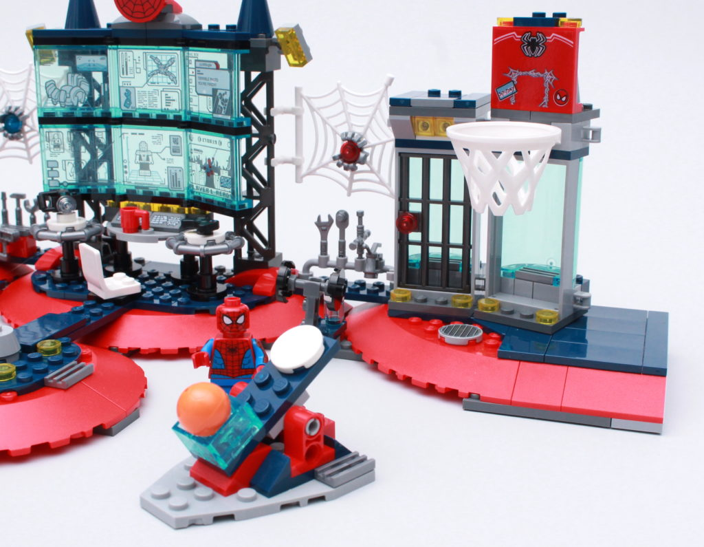 LEGO Marvel 76175 Attack On The Spider Lair Review 11