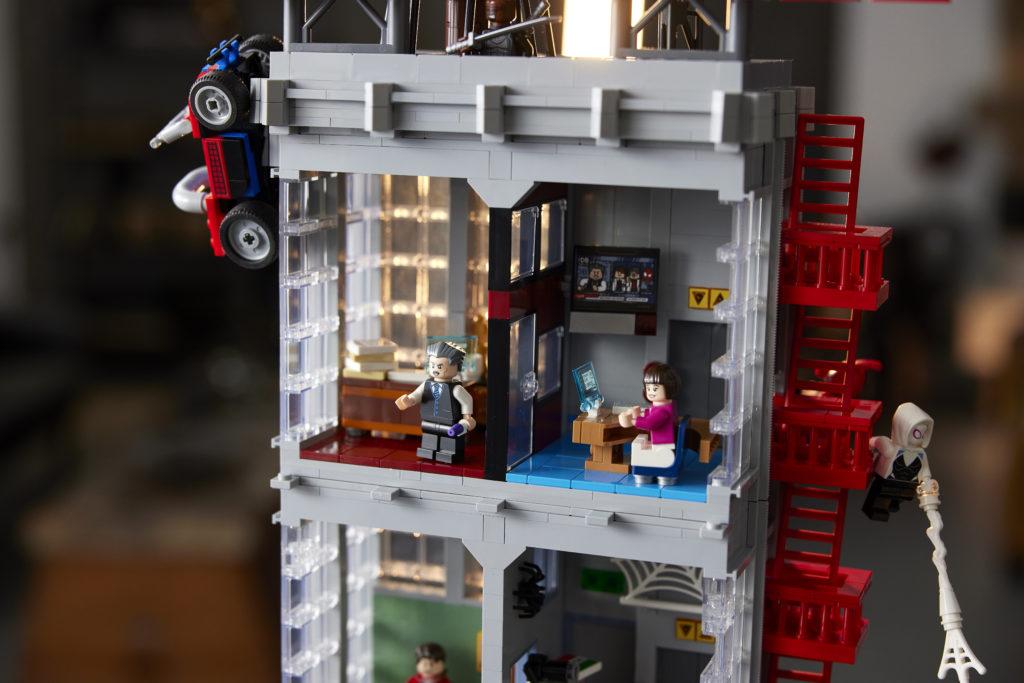 LEGO Marvel 76178 Daily Bugle 28