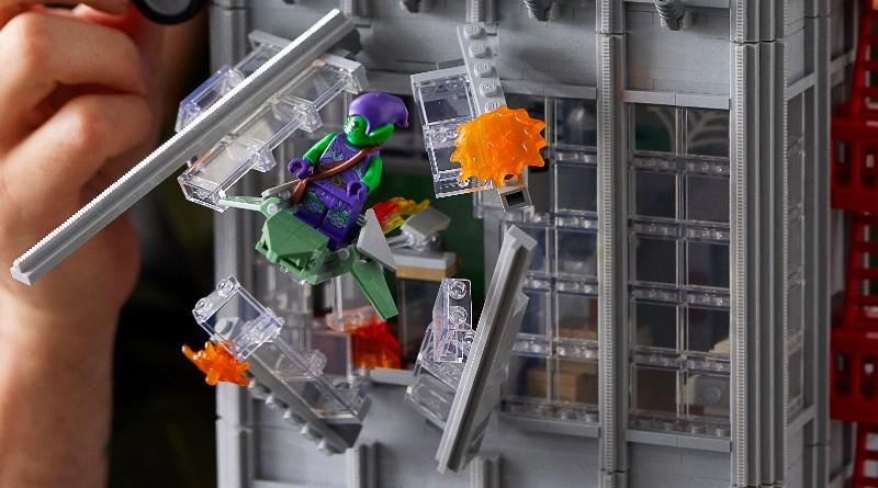 LEGO Marvel 76178 Daily Bugle Broken Window Featured