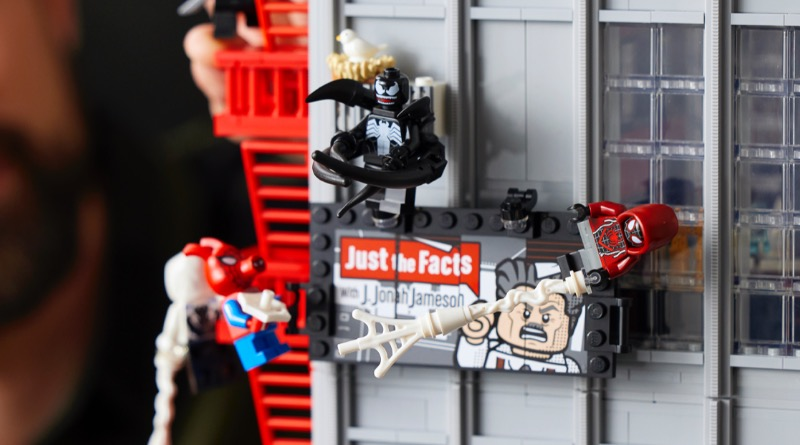LEGO Marvel 76178 Daily Bugle Featured 5