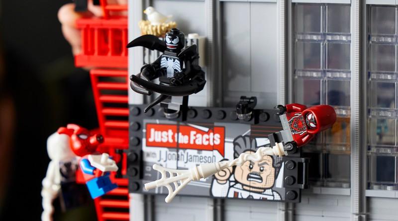 LEGO Marvel 76178 Daily Bugle Minifigures Lifestyle Featured 800x445 1