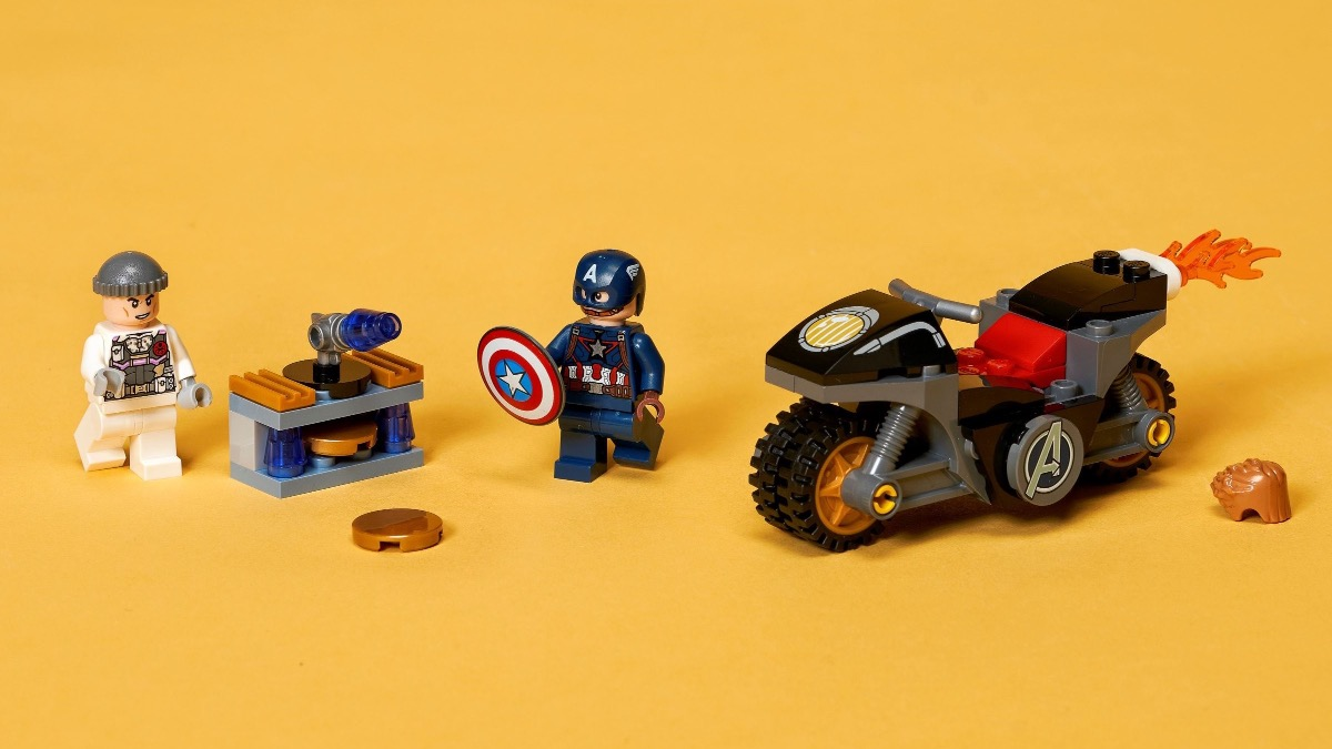 LEGO Marvel 76189 Captain America And Hydra Face Off Featured