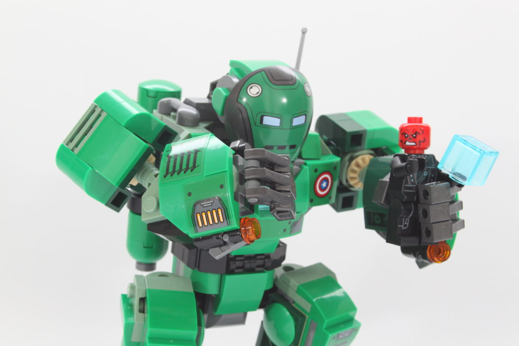 LEGO Marvel 76201 Captain Carter and the Hydra Stomper review pose 3