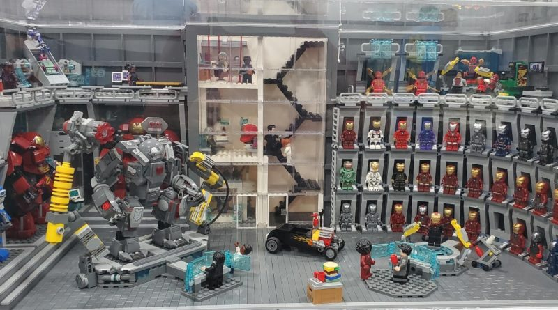 LEGO Marvel Iron Man display build MOC featured