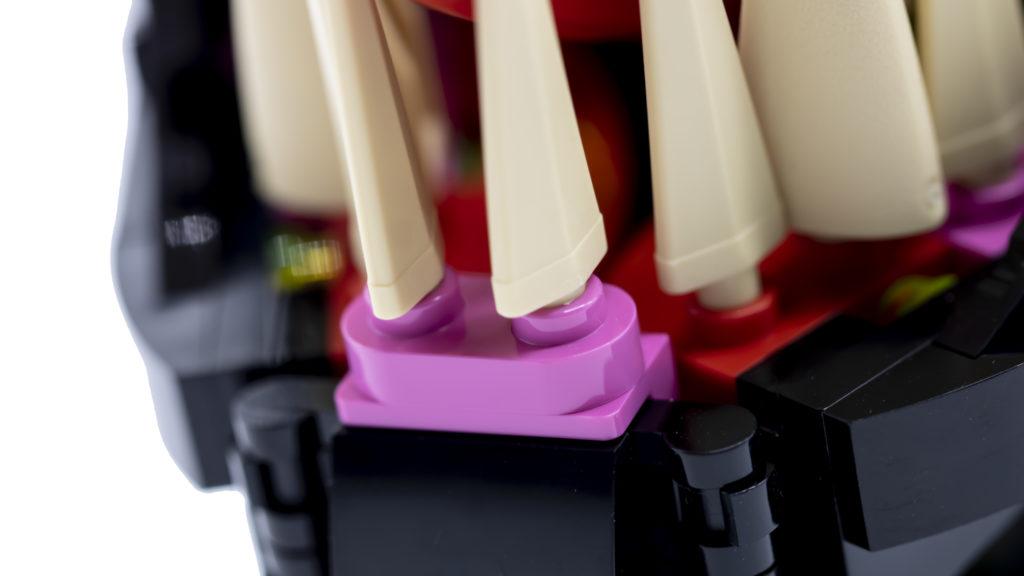 LEGO Marvel Super Heroes 76187 Venom 10