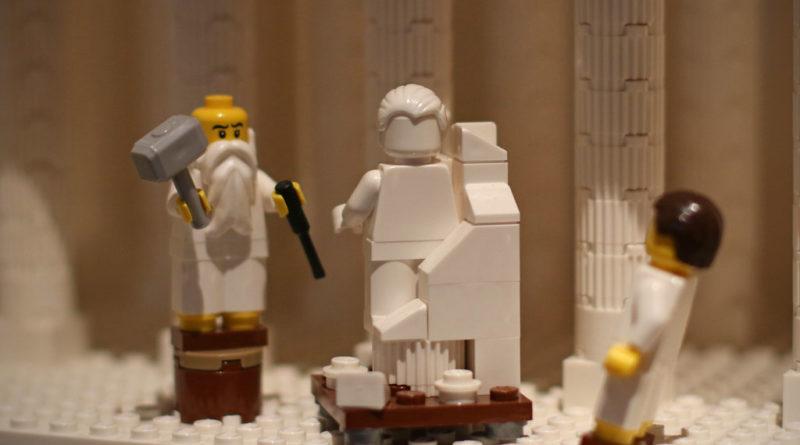 LEGO Michelangelos David