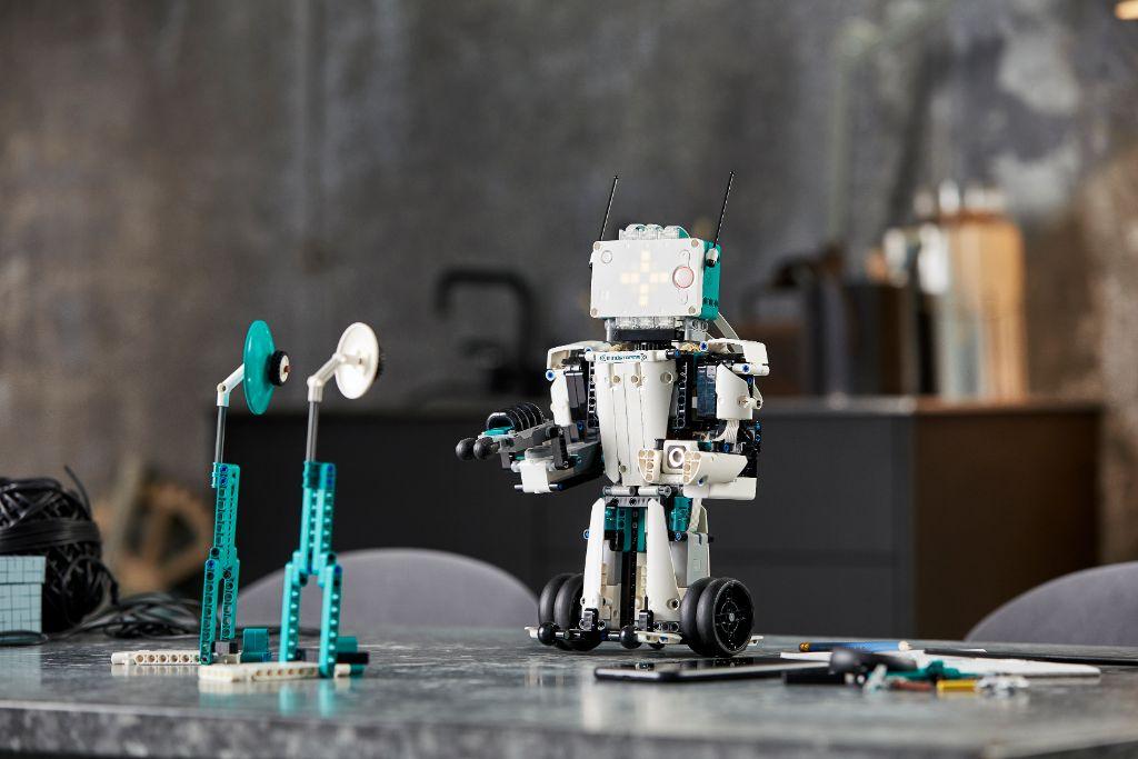 LEGO Mindstorms 51515 Robot Inventor 12