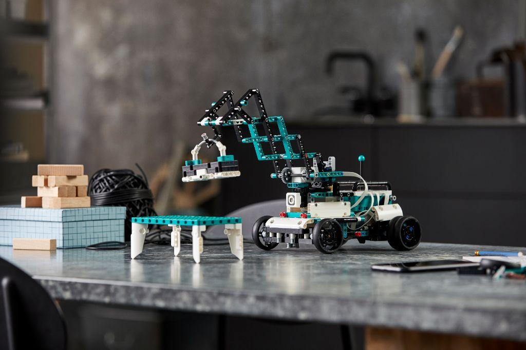 LEGO Mindstorms 51515 Robot Inventor 13