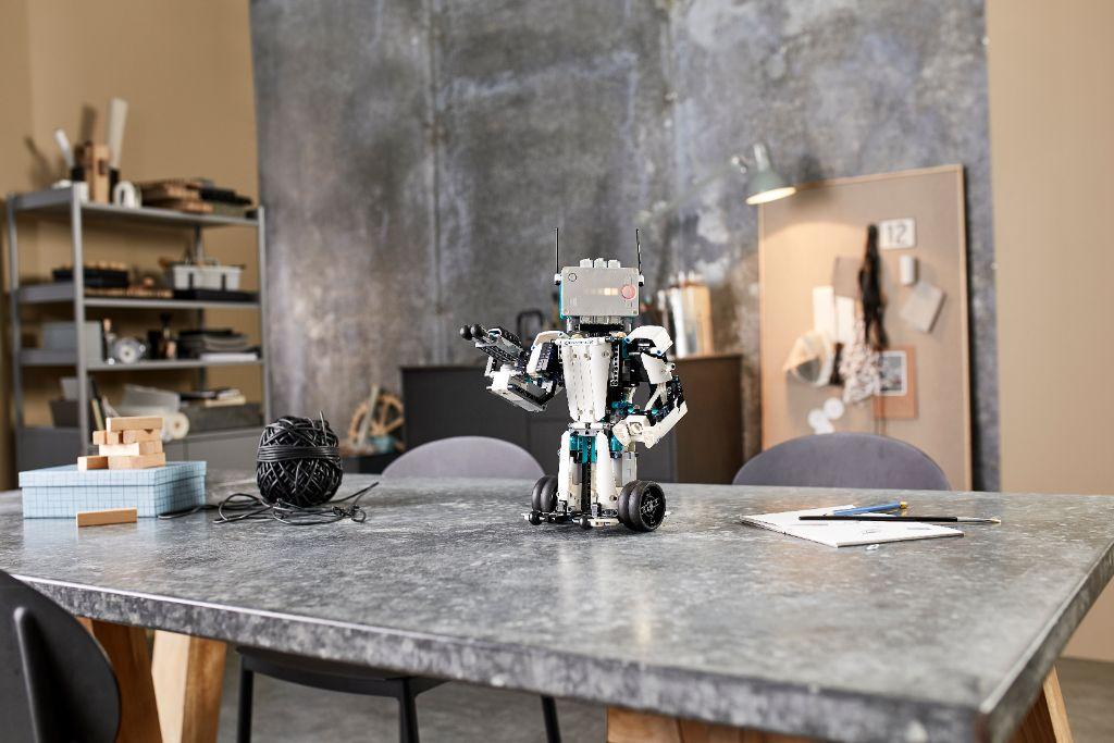 LEGO Mindstorms 51515 Robot Inventor 18